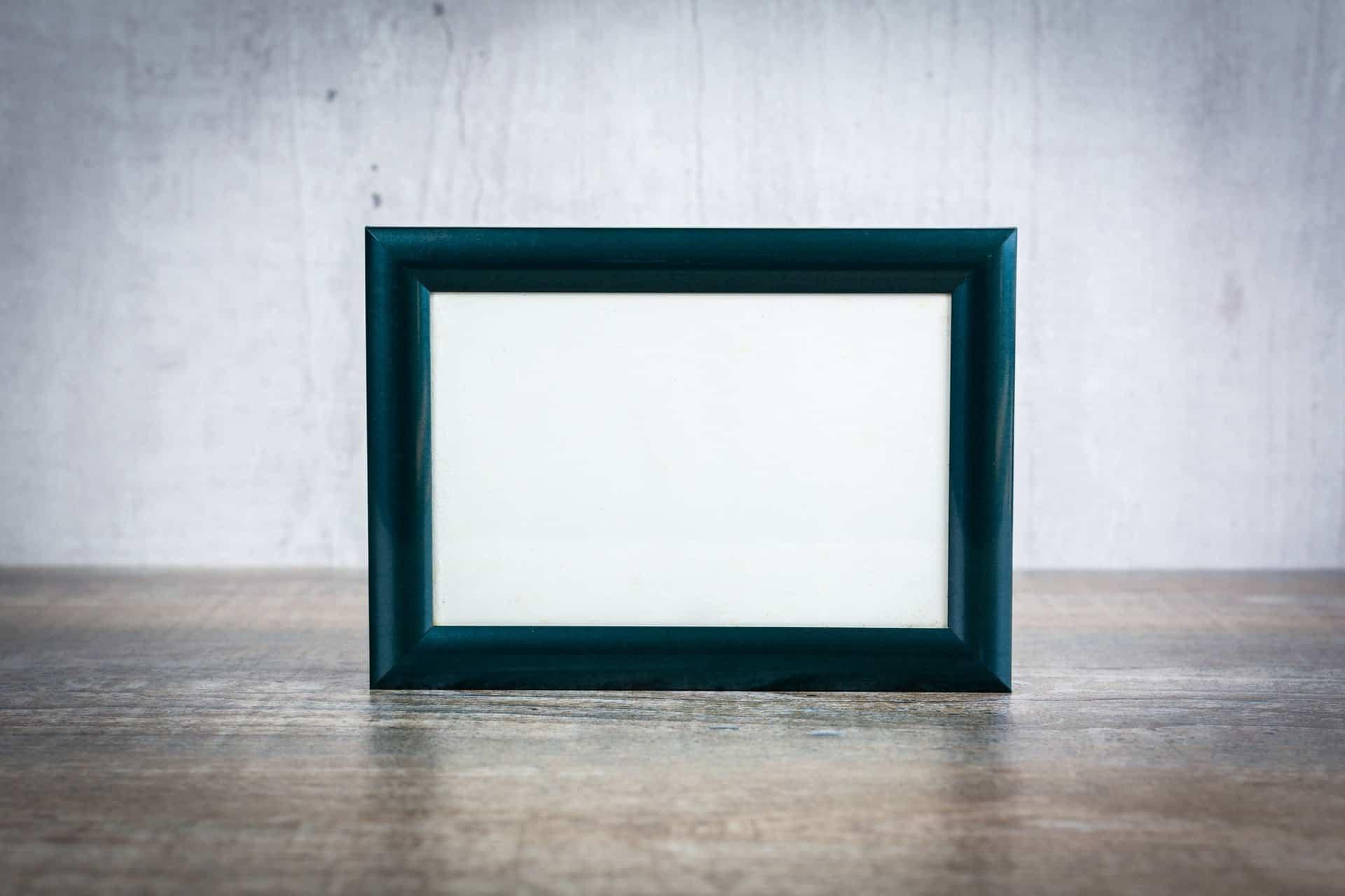 15-inch digital photo frame