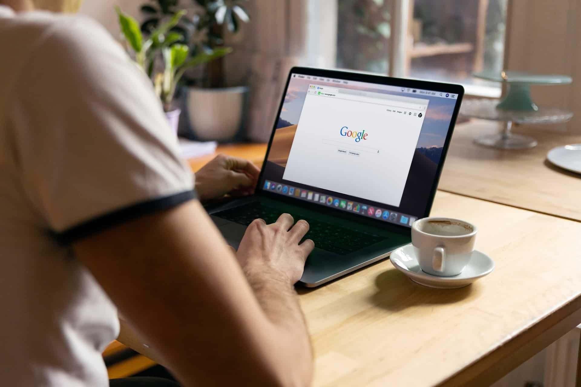 Google Hub digital photo frame