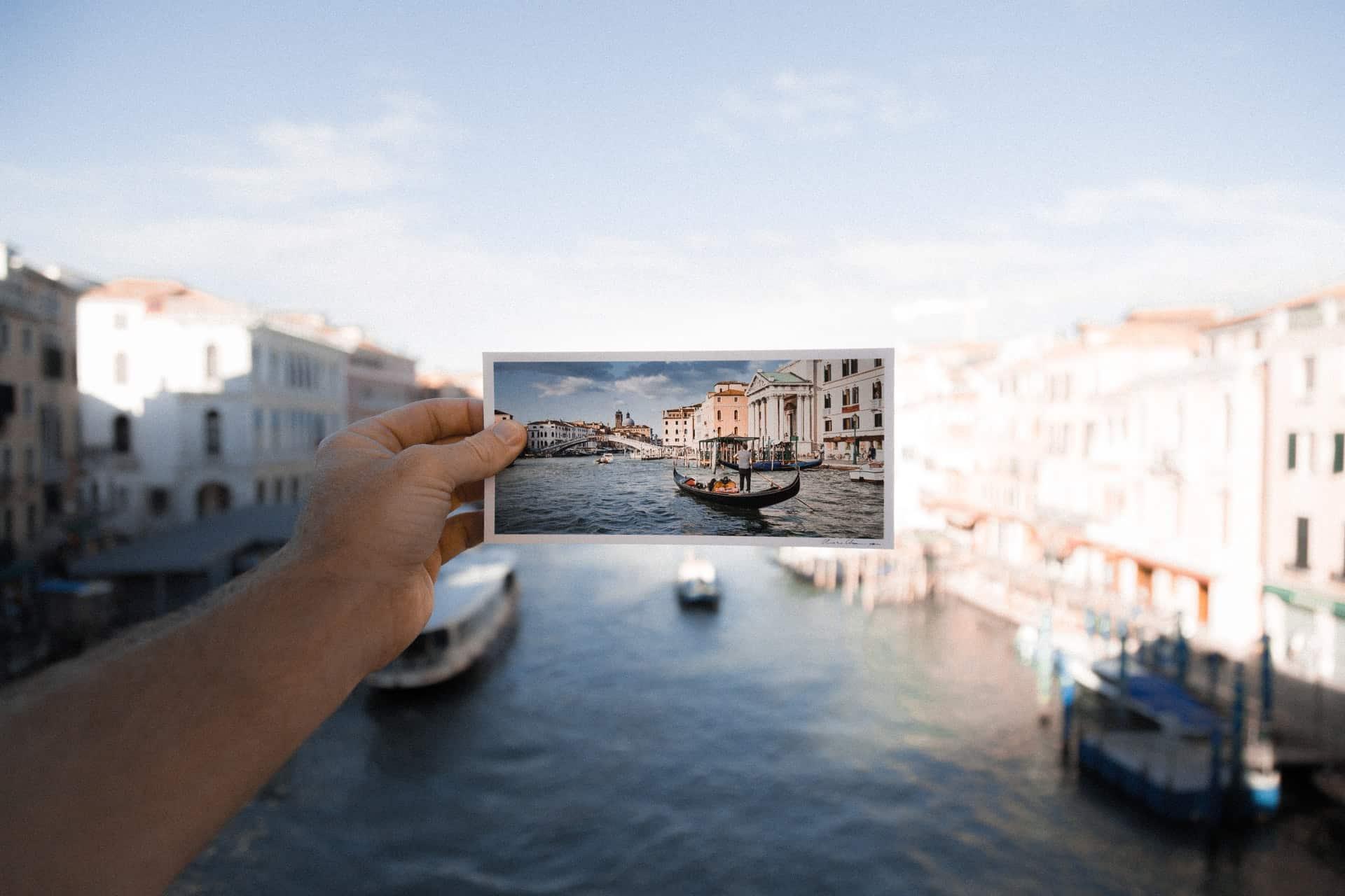 Apple digital photo frame