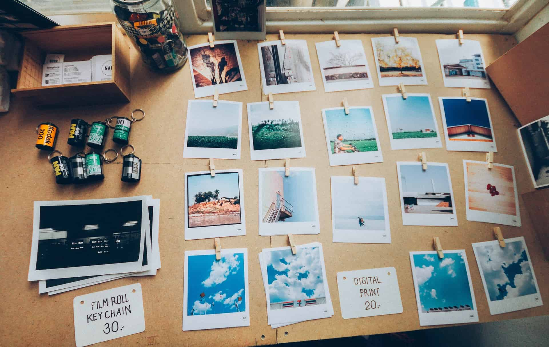 how to put pictures on a digital photo frame